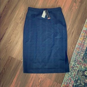Banana Republic Size 6 tall Italian merino skirt